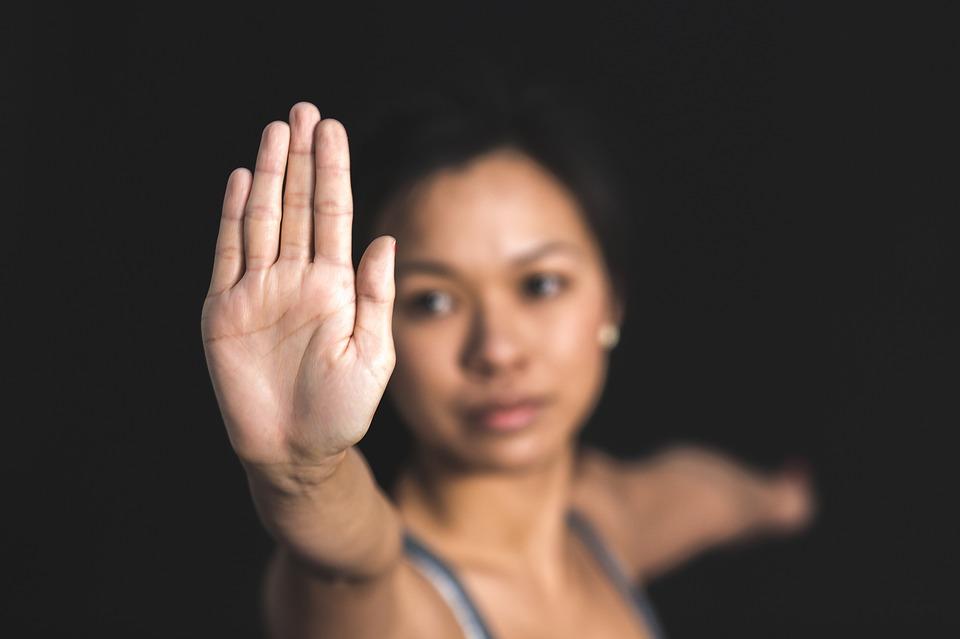 Com os pranaiamas (técnicas de respiração) ensinados no Yoga a mente se torna mais calma